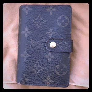 Authentic Louis Vuitton wallet.